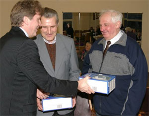 Dovanos Vilniaus aklųjų ir silpnaregių asociacijos veteranams