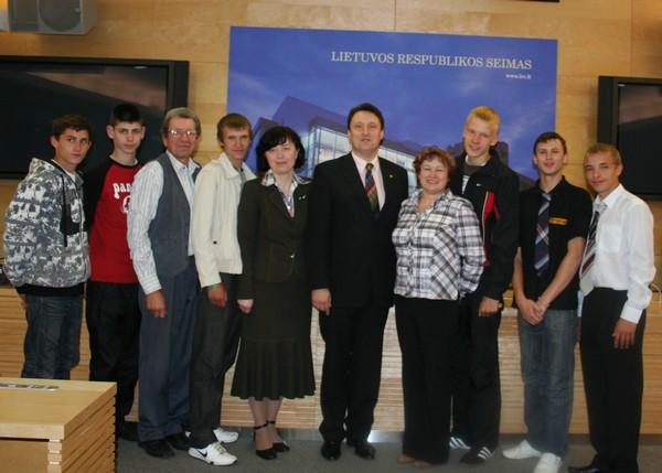 """""""Vilnios"""" moksleiviai lankėsi Seime"""